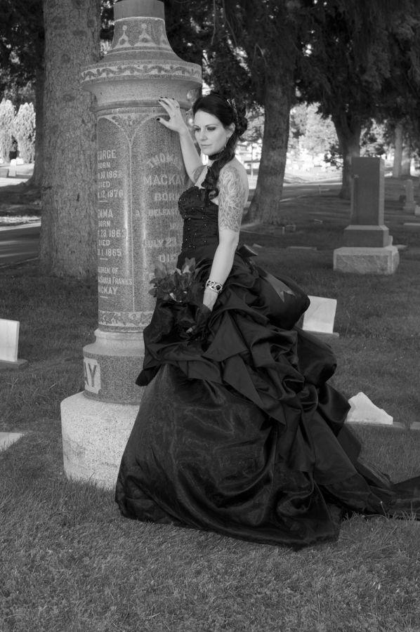 Gothic Cerne Plesove Nebo Svatebni Saty Plesove Saty Svatebni